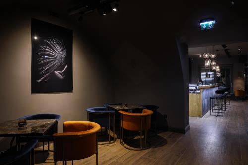 CENTRO MOBILI SPOL. S R.O. | CLOCK COFFEE BAR