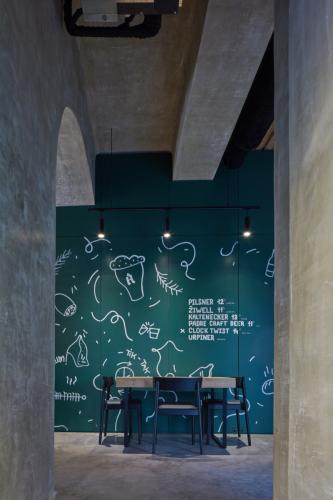 interiér reštaurácia Akadémia