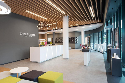 Forms architects - interiér Oriflame showroom Bratislava